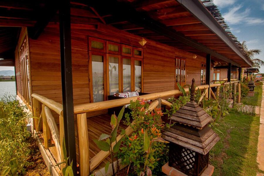 Hotel Myanmar Inle Lake Royal Nadi Lake33