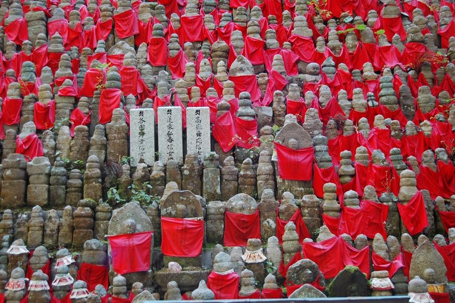 Japan Mount Koya tempel verblijf Okunoin begraafplaats