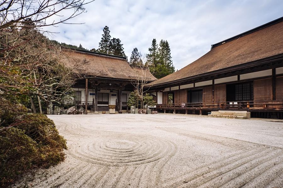 Japan Mount Koya tempel verblijf Zen tuin