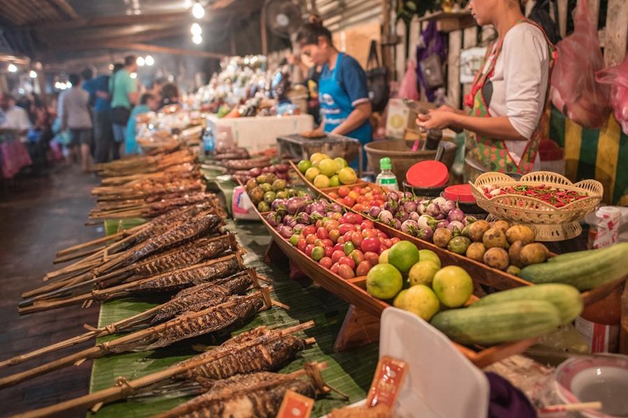 Laos Luang Prabang street food eten