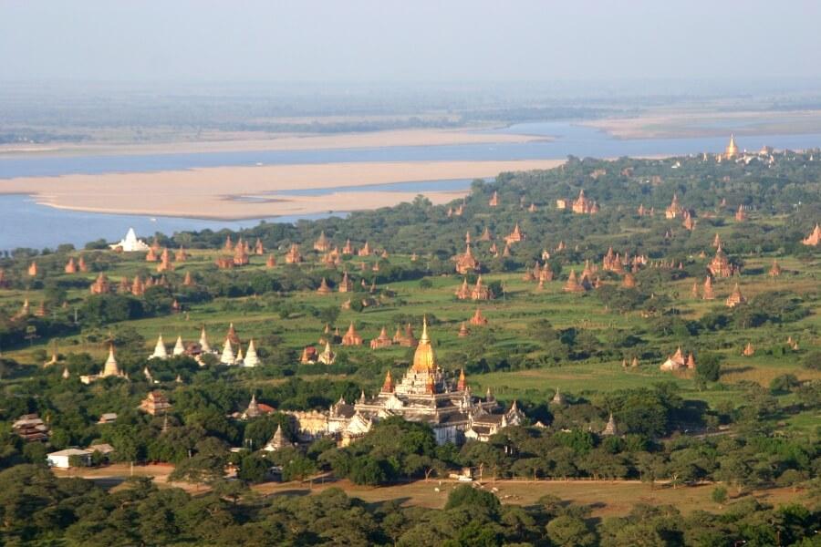 Myanmar Bagan 2000 tempels en pagodas