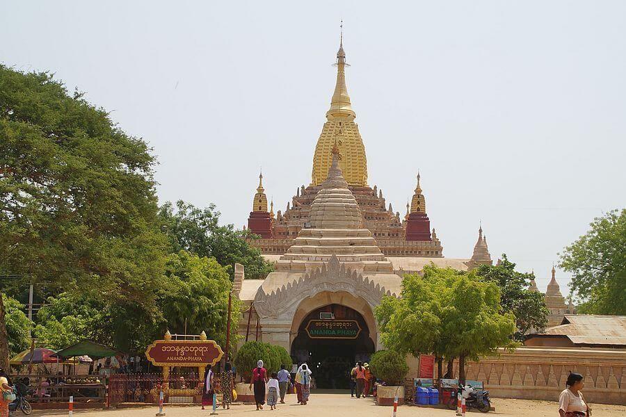 Myanmar Bagan Ananda Phaya 01