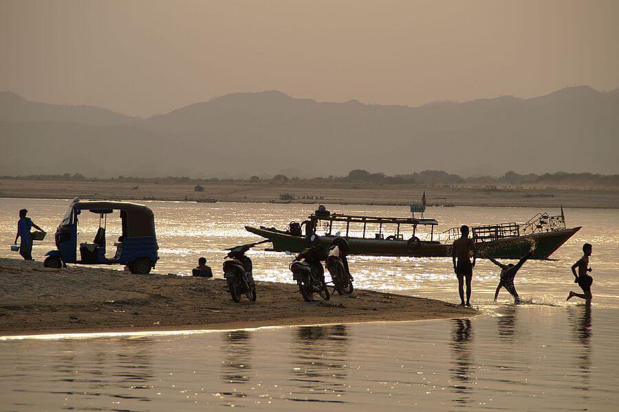 Myanmar Bagan Sunset River 01