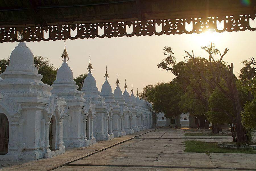 Myanmar Mandalay Ku Tho Daw Pagoda 04