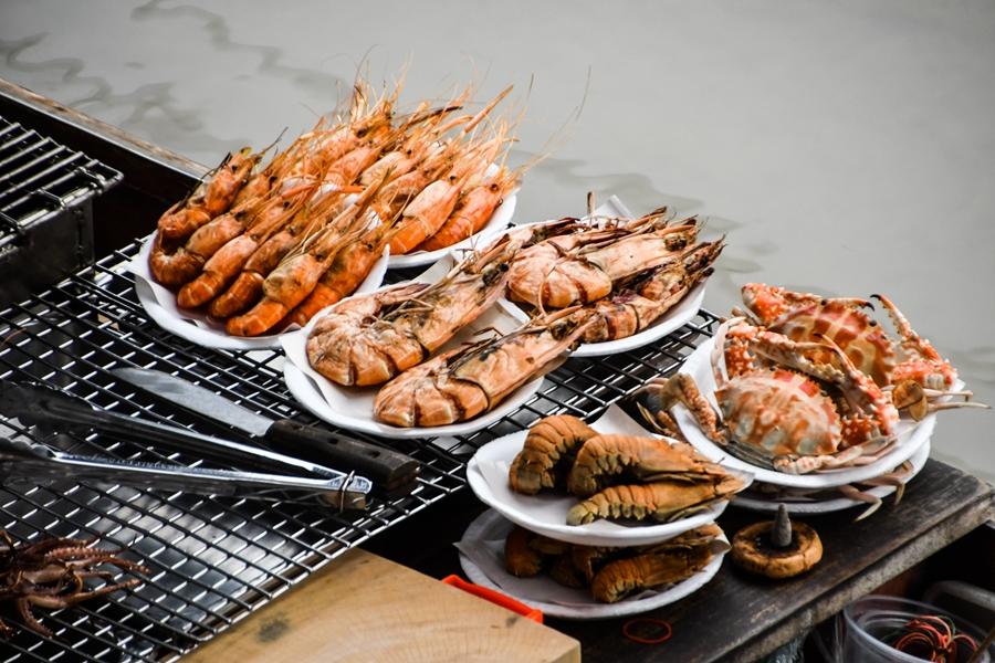 Thailand Amphawa heerlijk eten zeevruchten