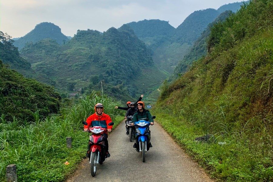 Vietnam Ha Giang Loop motors toeristen
