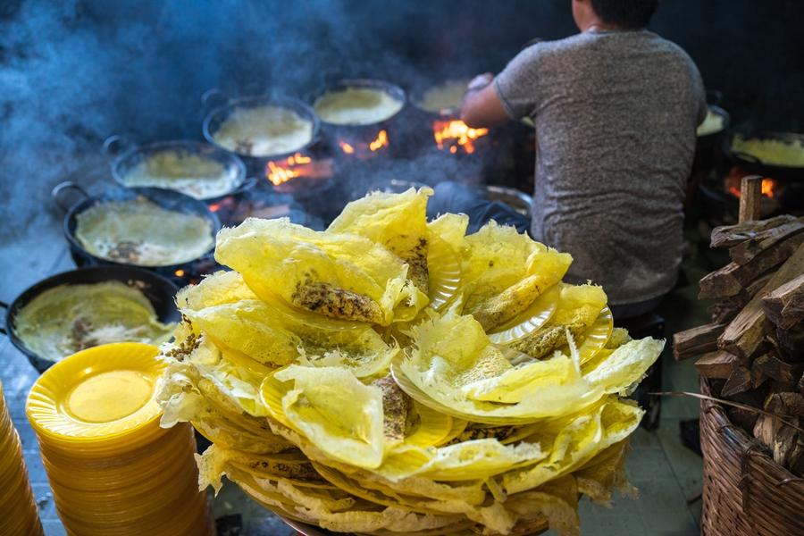 Vietnam eten Banh Xeo Sissende cake