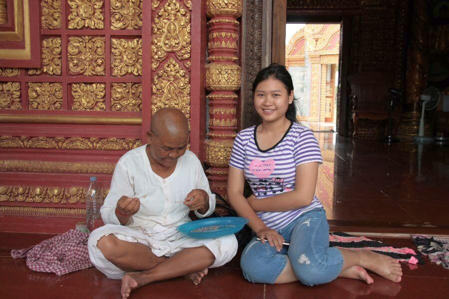 fi Cambodja Meet the locals Sambor Prei Kuk Homestay