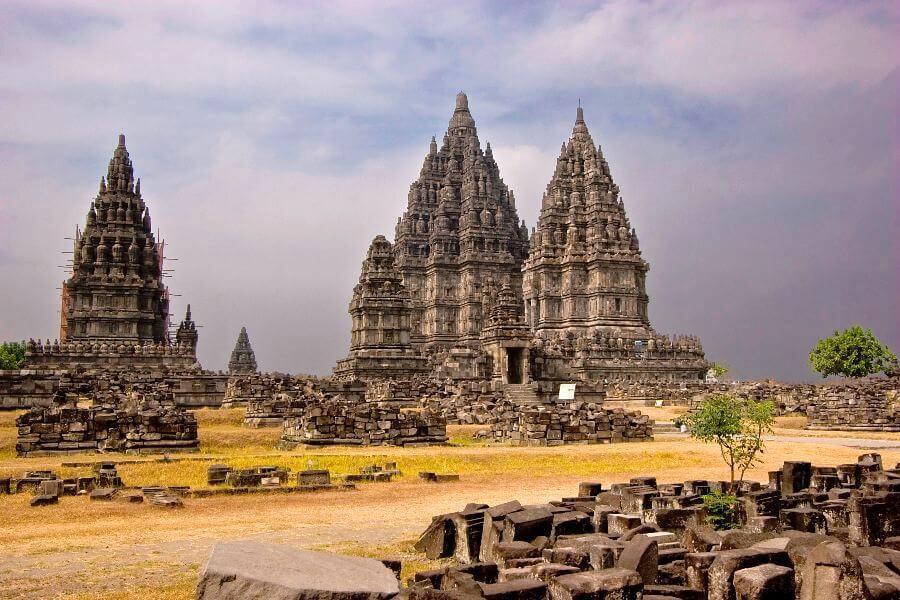 fi Indonesie Jogjakarta Hindoeistische Prambanan tempels per Becak naar het Paleis van de Sultan 1