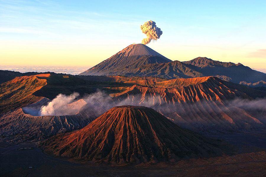 fi Indonesie Zonsopkomst bij de Bromo Vulkaan 1