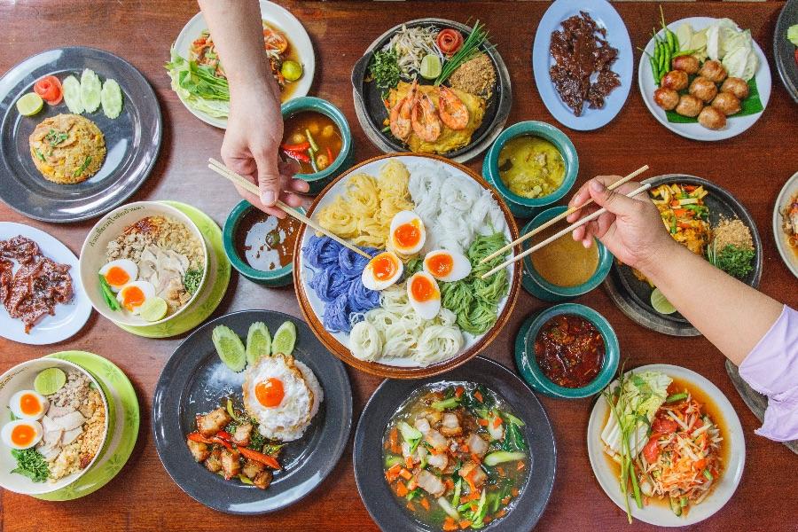 Azie Thais eten Pad Thai
