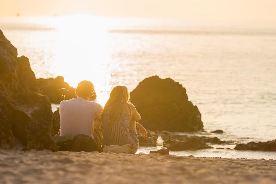 Honeymoon strand zonsondergang huwelijksreis