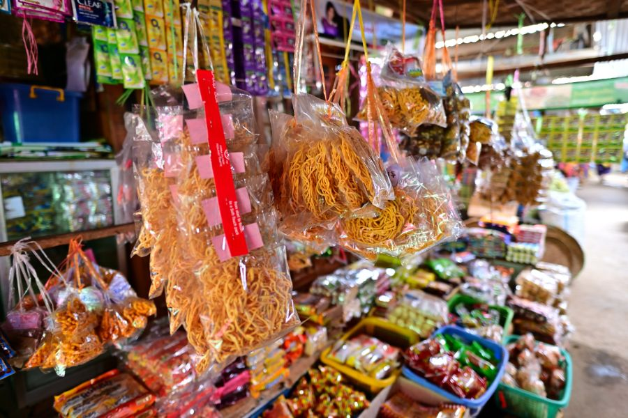 Myanmar Bagan Nyaung Local market eten