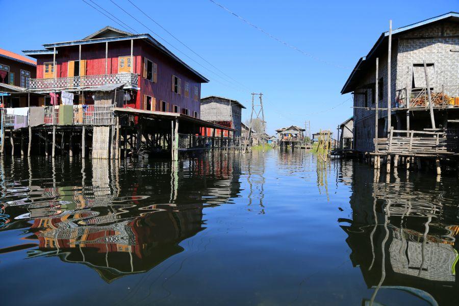 Myanmar Inle lake Traditionele huizen