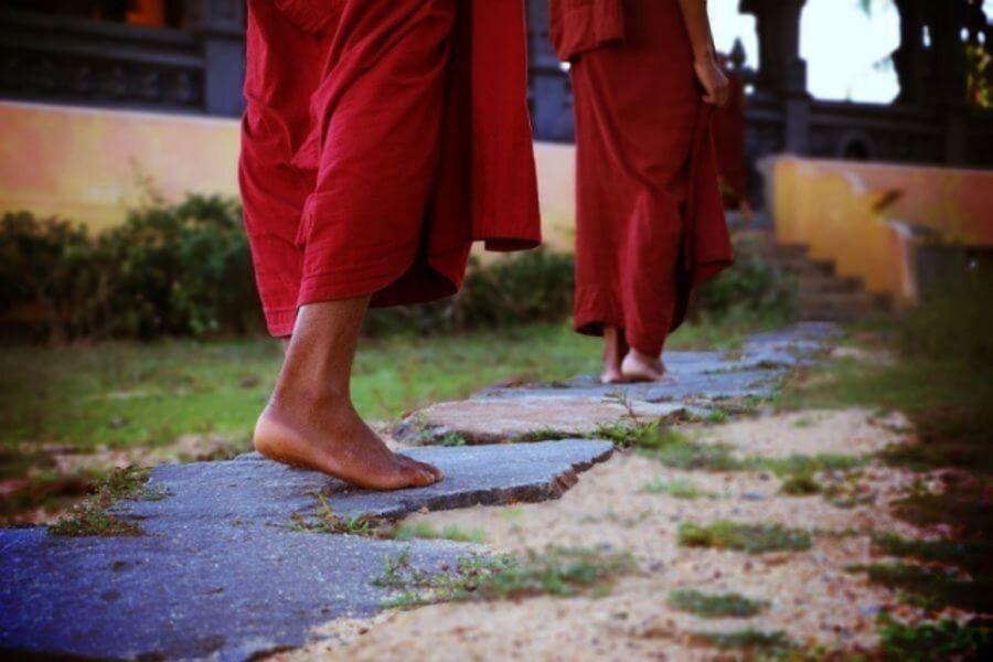 Sri Lanka Monniken boeddhisme 049 640x480 1