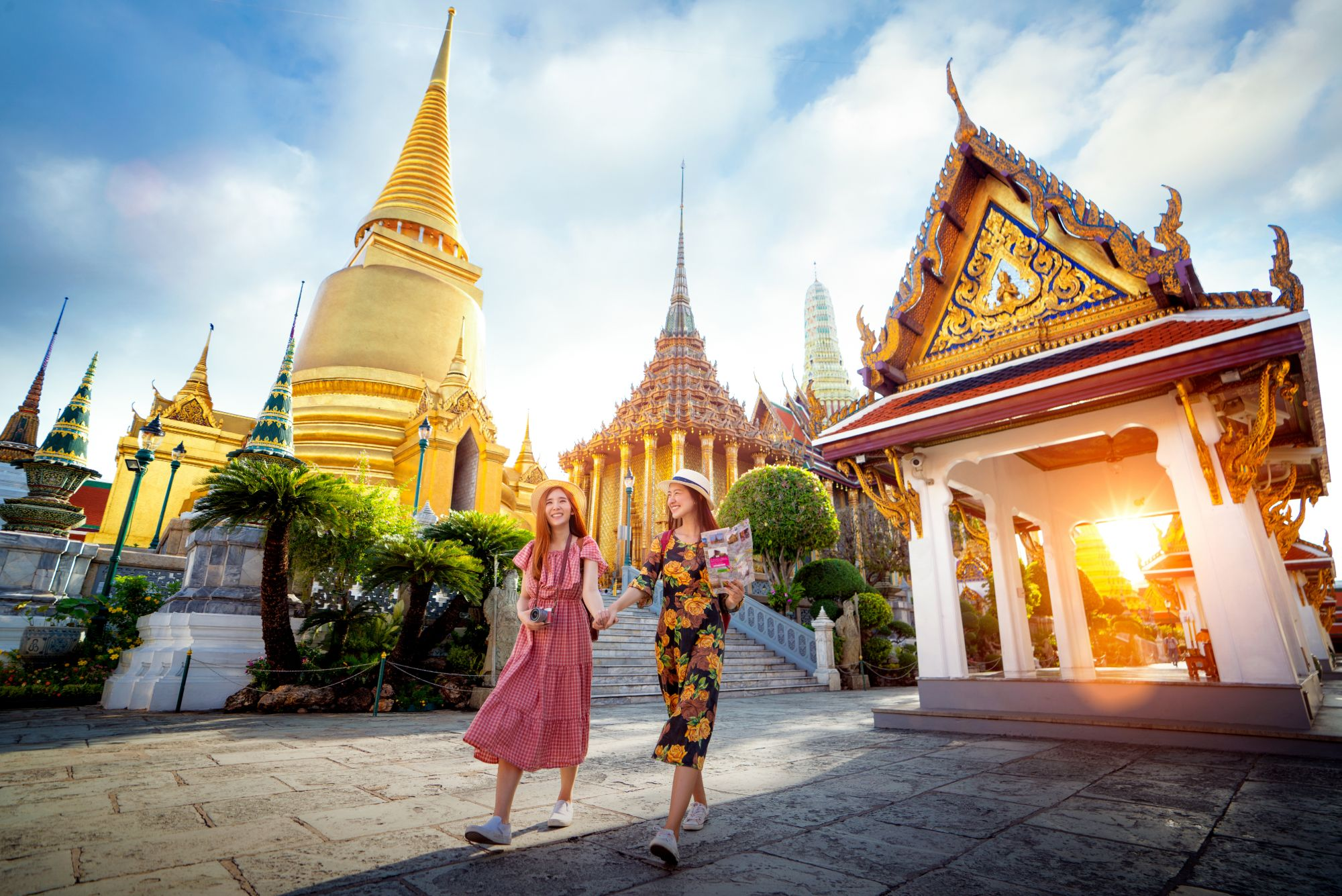 Thailand Bangkok Wat phra kaew and grand palace Asian girls travelers
