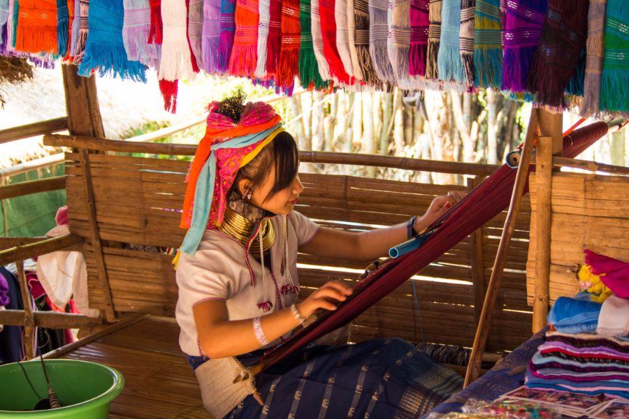 Thailand Chiang Mai Lonk Neck village woman making scarfs karen bergstam