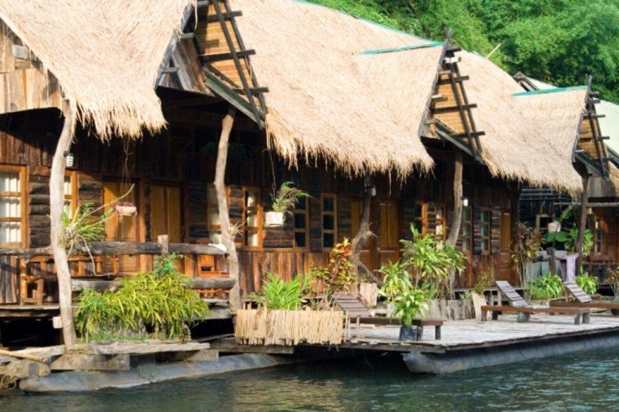 Thailand Kanchanaburi Jungle rafts hotel overnachting