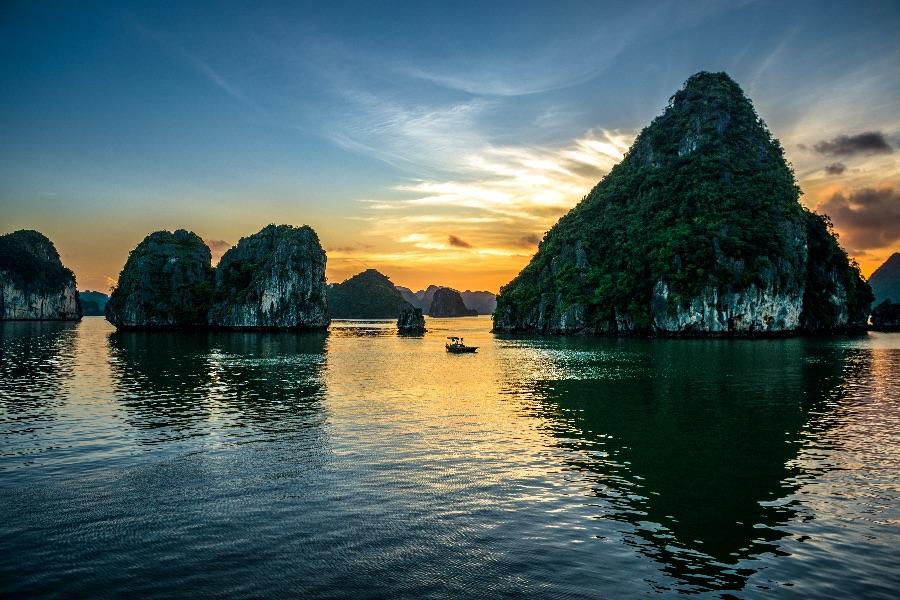 Vietnam Halong Bay