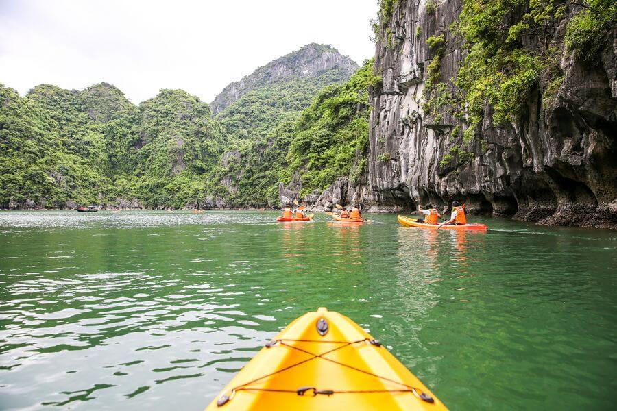 Dag 2: Bai Tu Long Bay