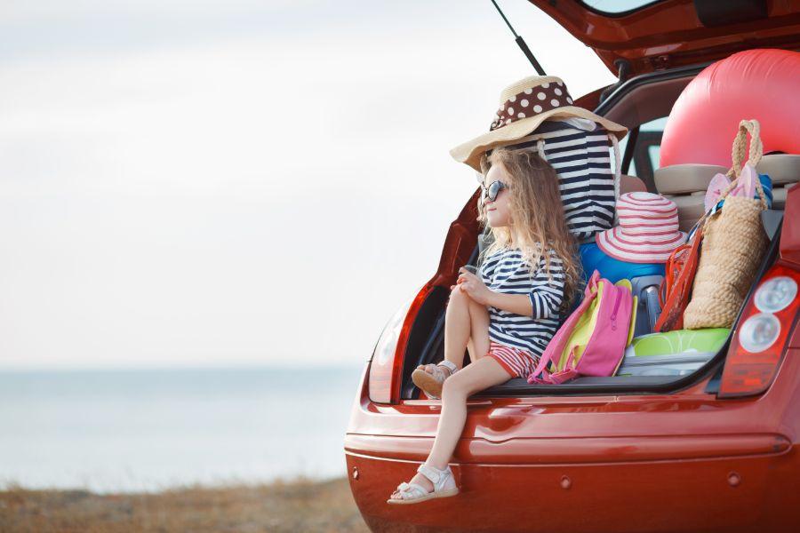 Algemeen meisje in auto