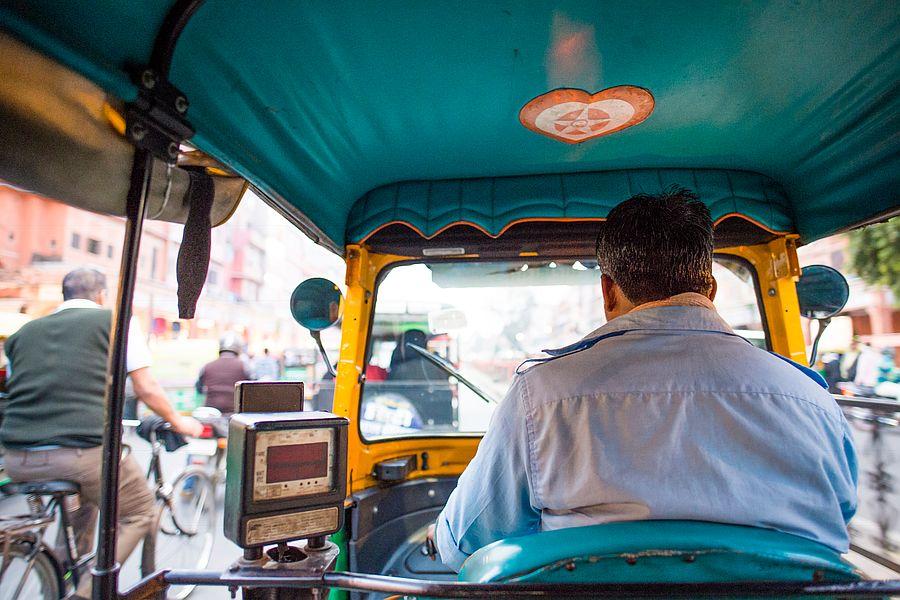 Indian taxi tuktuk rickshaw 02