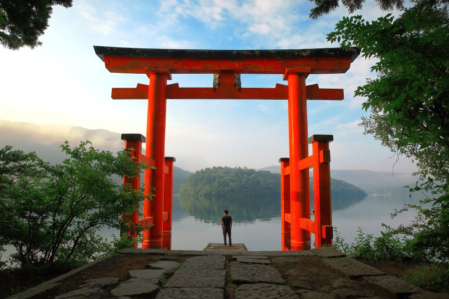 Japan Hakone rode Torii gate bij Lake Ashi