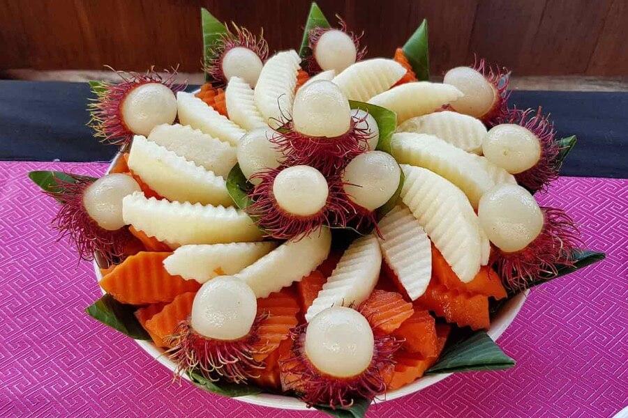 Laos Luang Prabang Shompoo Cruise Houay Xay traditioneel eten jackfruit vruchten lunch