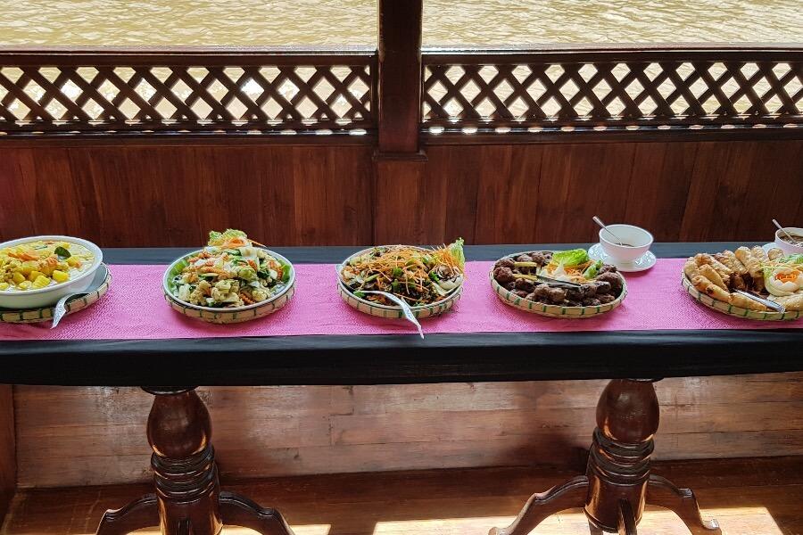 Laos Luang Prabang Shompoo Cruise Houay Xay traditioneel eten