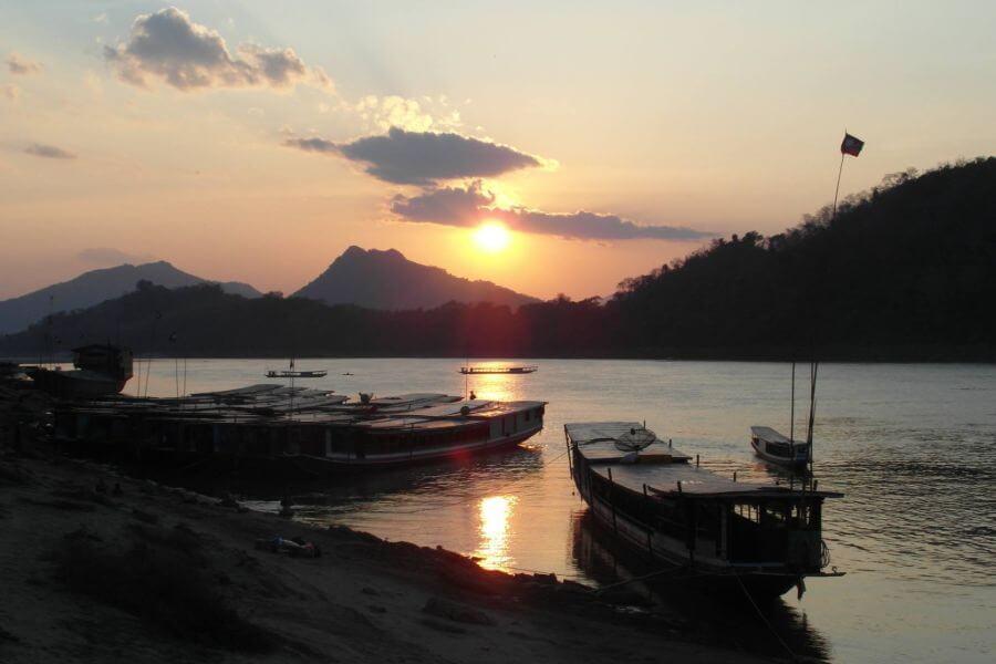 Laos met de slowboat over de Mekong rivier van Thailand naar Luang Prabang 12