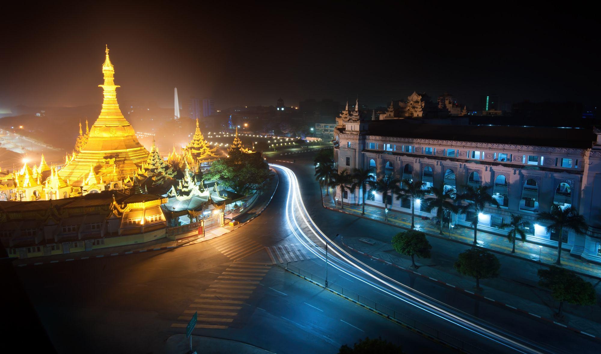 Myanmar Yangon Sule pagoda