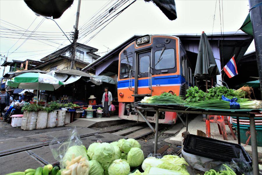 Thailand Amphawa Trein markt