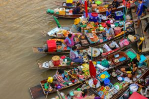 Blog artikel1 'Weekend-trip: drijvende markt en vuurvliegjes'