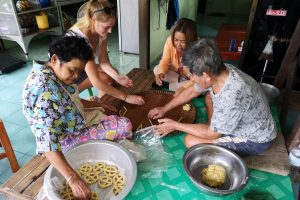 Blog artikel1 'Koken en garnalen vissen met de lokale bevolking in Ayutthaya'