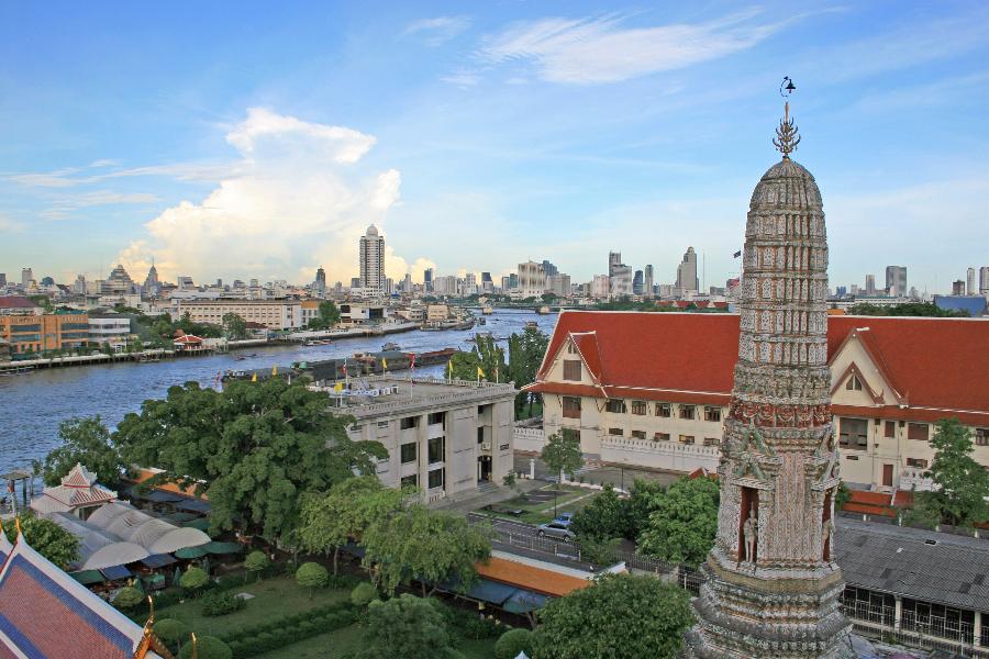 Thailand Bangkok Chao Phraya Rivier uitzicht