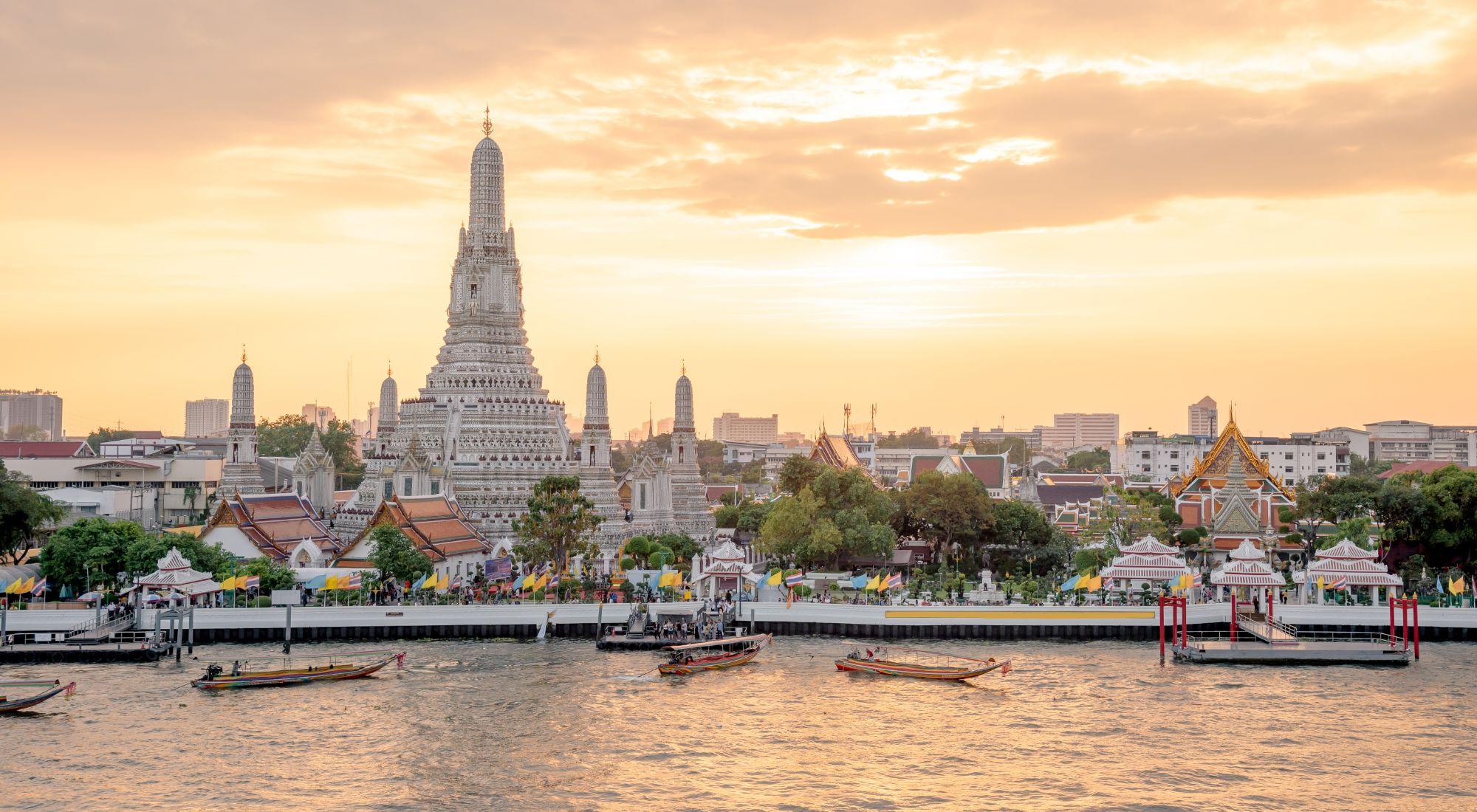 Thailand Bangkok Chao Phraya rivier uitzichtpunt op Wat Arun