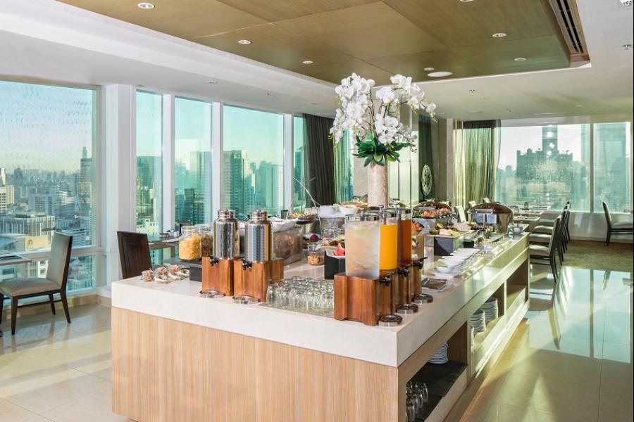 Thailand Bangkok Eastin Grand Hotel Sathorn Executive Lounge ontbijt