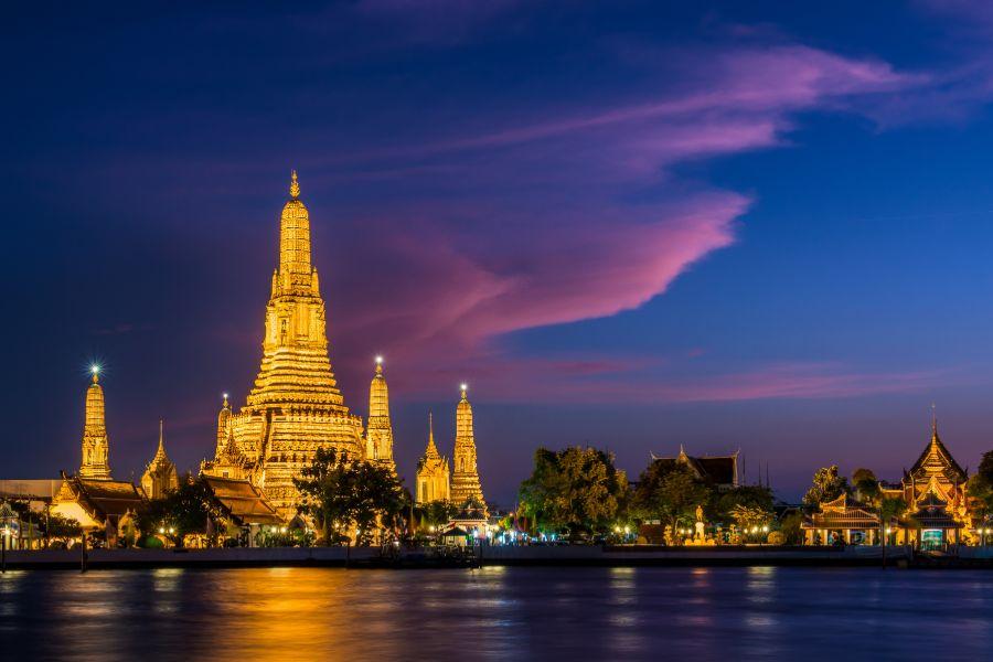 Thailand Bangkok Wat Arun s avonds