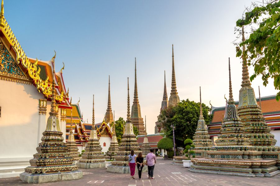 Thailand Bangkok Wat Pho tempel en toeristen