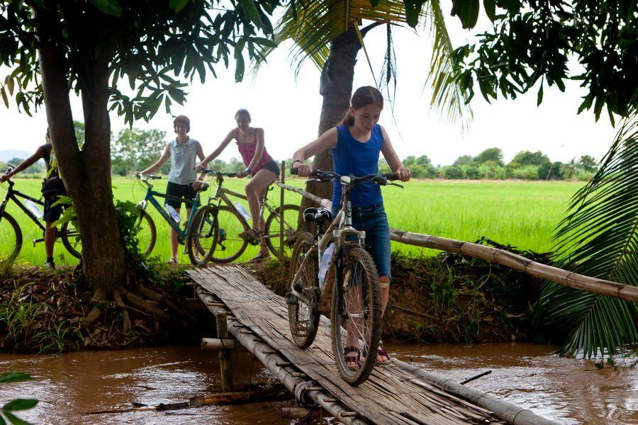 Thailand Chiang Mai Fietsen kinderen familie