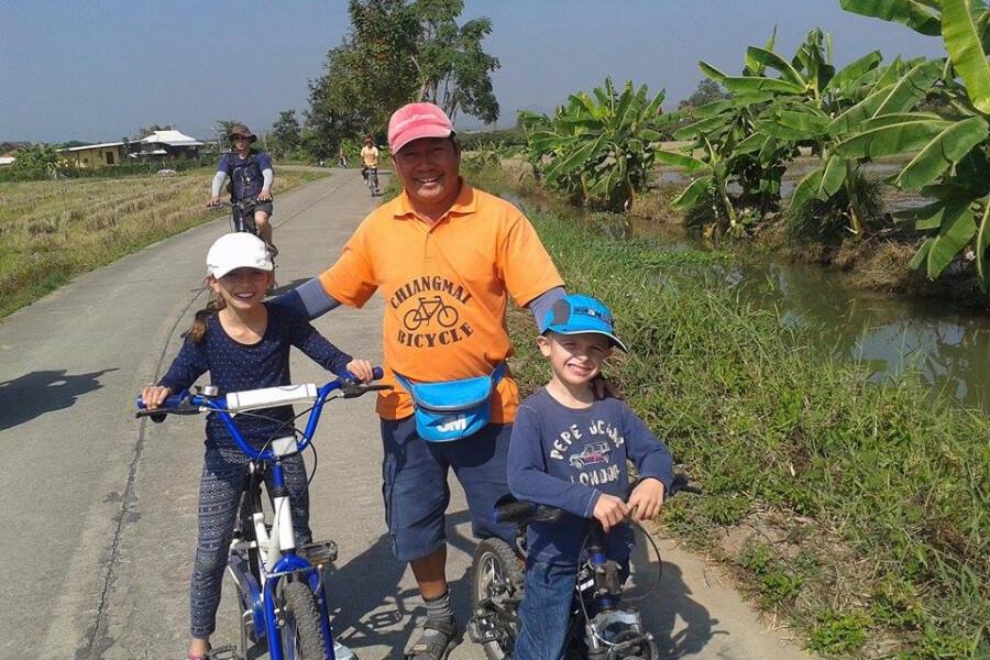 Thailand Chiang Mai Fietstour Fietsen kinderen met gids