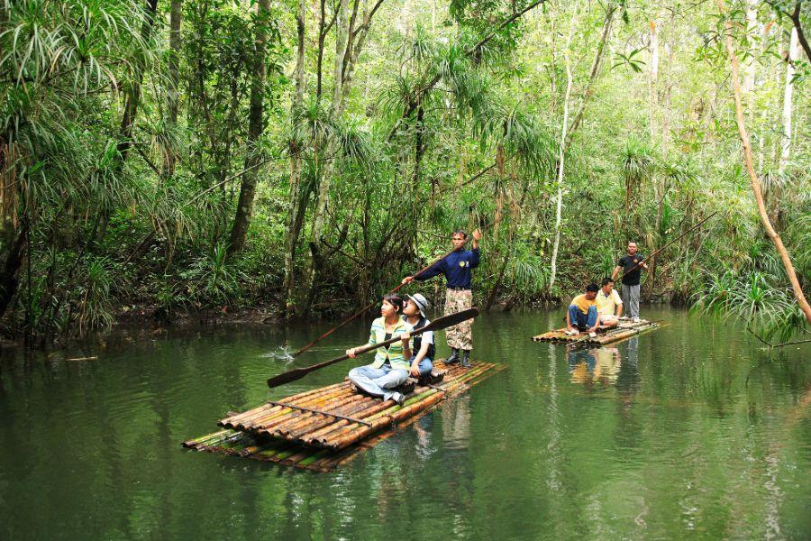 Thailand Chiang Mai raften bamboeraft jungle rivier