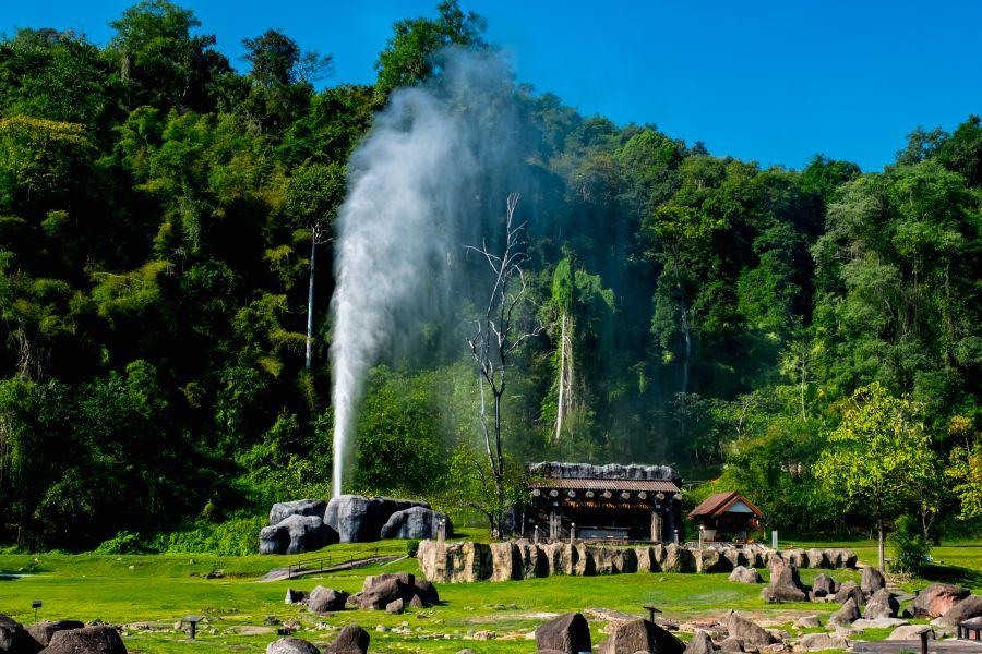 Thailand Doi Pha Hom Pok Nationaal Park geiser