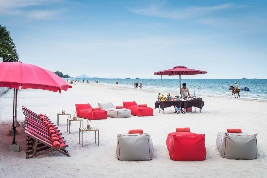 Thailand Hua Hin Strand met zitkussens