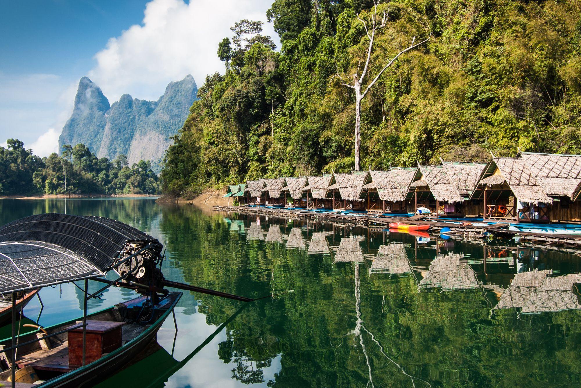 Thailand Khao Sok National Park Cheow Lan Lake rivier drijvende huizen