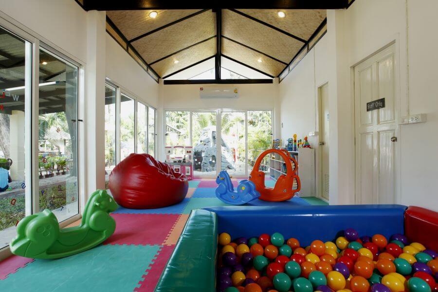 Thailand Koh Chang Centara Tropicana Resort kidsclub Speelzaal