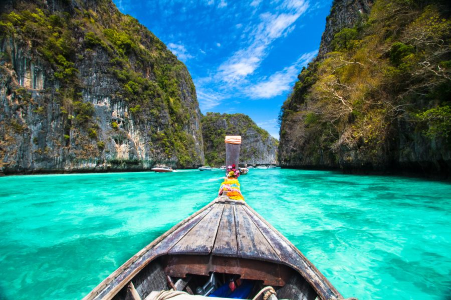 Thailand Koh Phi Phi Uitzicht vanuit longtailboot