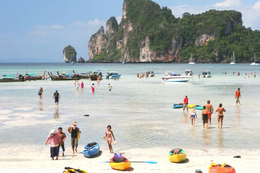 Thailand Koh Phi Phi activiteiten op het strand