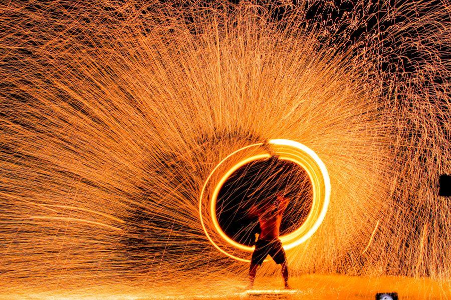 Thailand Koh Samet strand eiland vuurshow branddanser dans jongleren met vuur
