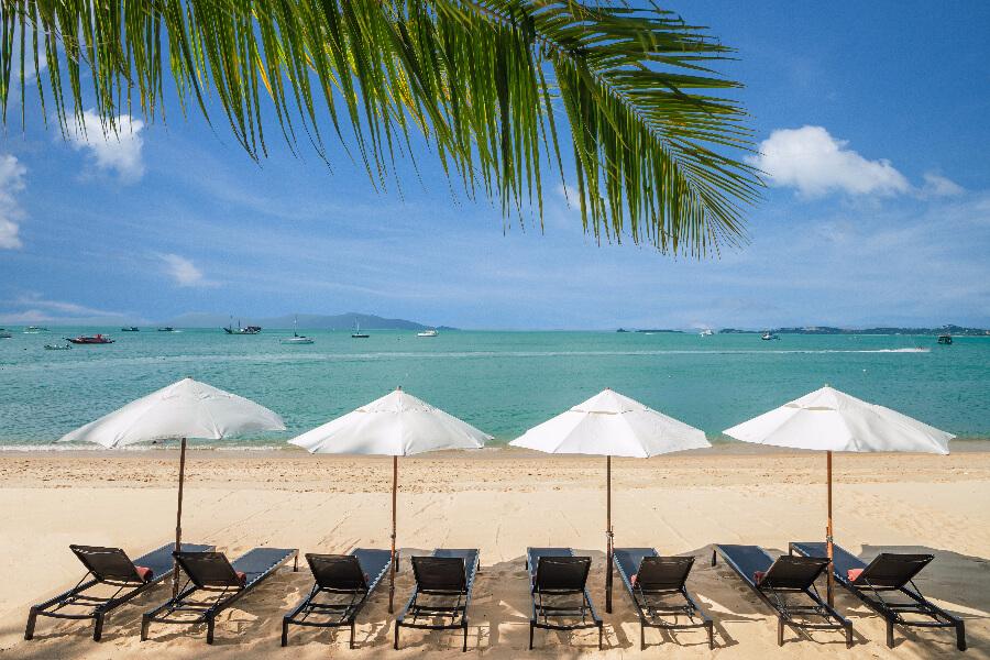 Thailand Koh Samui Hotel Peace Resort Koh Samui eiland Strand ligbedden palmbomen